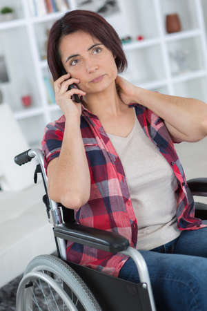 Photo pour trying to not be forget after shocking accident keeping contact - image libre de droit