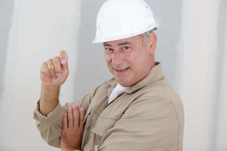 Photo pour smiling builder worker - image libre de droit