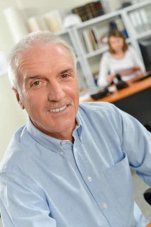Photo pour portrait of a mature employee - image libre de droit