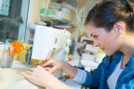 Photo pour a woman creating new fashionable styles - image libre de droit
