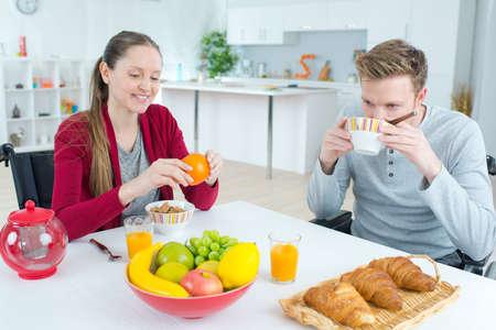 Photo pour a couple breakfast at kitchen - image libre de droit