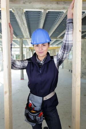 Photo pour a female carpenter on site - image libre de droit
