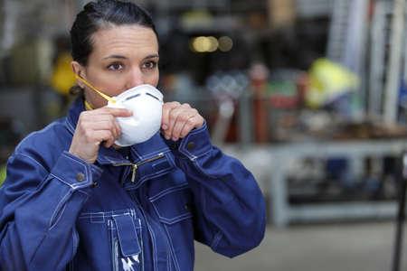 Photo pour a woman with a mask - image libre de droit
