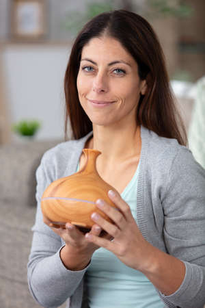 Photo pour essential oil beauty wellbeing concept - image libre de droit