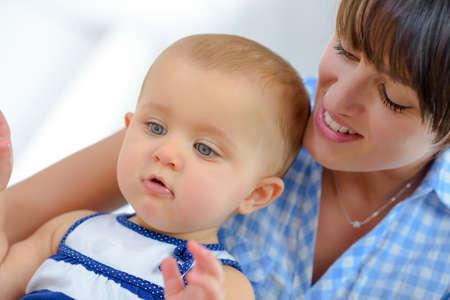 Photo pour family child and parenthood concept - image libre de droit