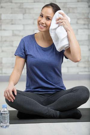 Foto für woman towelling off after exercising - Lizenzfreies Bild