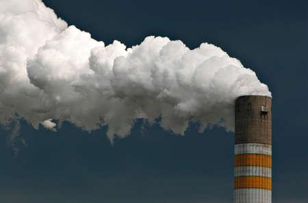 Photo pour Smoking Chimney of an Industrial Plant - image libre de droit