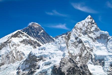 Photo pour Everest and Lhotse mountain peaks. View from Kala Pattar - Nepal  - image libre de droit