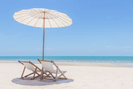Photo for Idyllic tropical beach with white sand, turquoise ocean water and blue sky in huahin thailand - Royalty Free Image