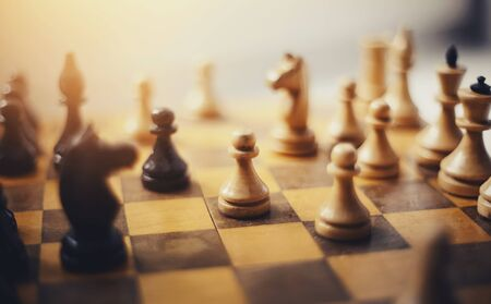 Photo pour Chess pieces on the Board. Wooden chess pieces on the chessboard. Intellectual game -chess. - image libre de droit