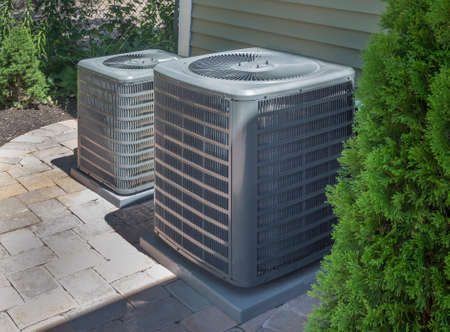 Photo pour HVAC heating and air conditioning residential units or heat pumps - image libre de droit