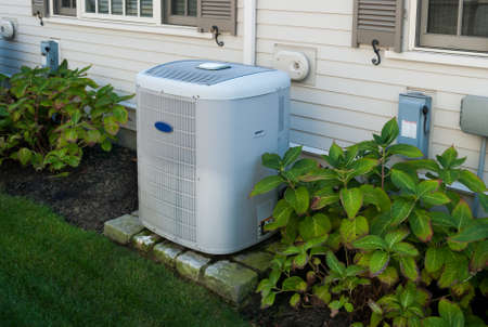 Photo pour Heating and air conditioning inverter used to climatize  a home - image libre de droit