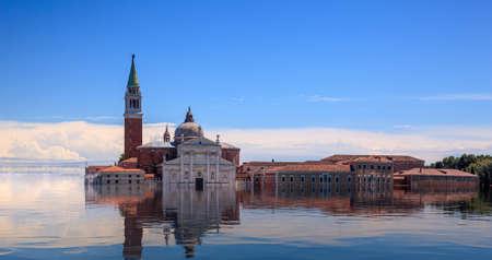 Photo pour Concept image of a flooded Basilica San Giorgio Maggiore in Venice as sea level rise makes the city uninhabitable - image libre de droit