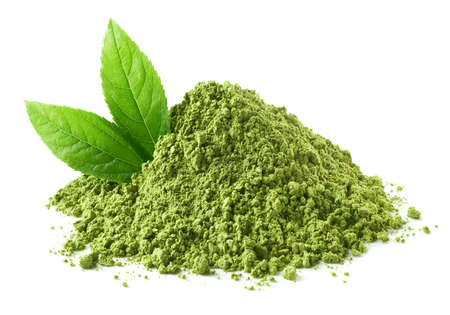 Photo pour Heap of green matcha tea powder and leaves isolated on white background - image libre de droit