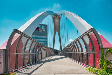 Foto für Milan, Italy 08.03.2020: Modern cycle and pedestrian footbridge that connects Gino Valle square with the Portello park in Milan - Lizenzfreies Bild