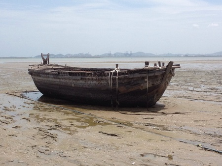 The boat after ebb tide