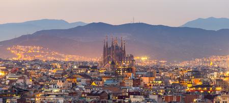 Foto de Panorama view of barcelona city and sagrada familia at dusk time,Spain - Imagen libre de derechos