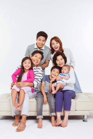 Photo pour Portrait of Happy Asian Family - image libre de droit