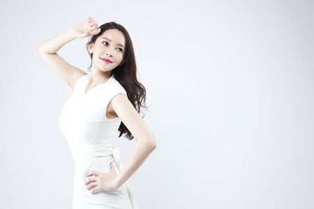 Photo pour Asian beautiful woman looking confident isolated on white - image libre de droit