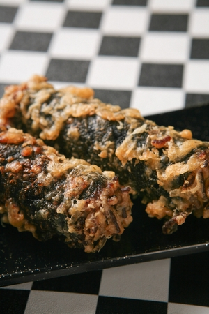 Korean street food, Fried seaweed-rolled rice and toppings