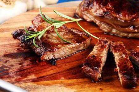 Photo pour Barbecue Rump Steak. Black Angus Prime meat steaks - image libre de droit
