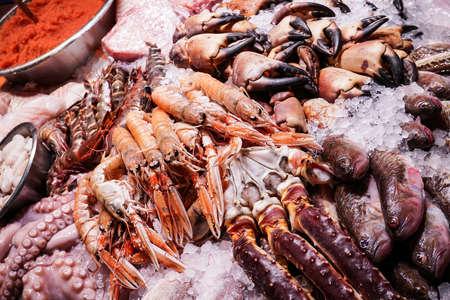 Photo pour Sea shells being sold at a market in Copenhagen, Denmark. - image libre de droit