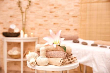 Photo pour Massage setting in modern wellness center - image libre de droit