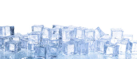 Photo pour Crystal clear ice cubes with water drops isolated on white - image libre de droit