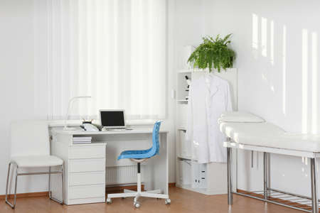 Photo pour Interior of modern medical office with doctor's workplace - image libre de droit