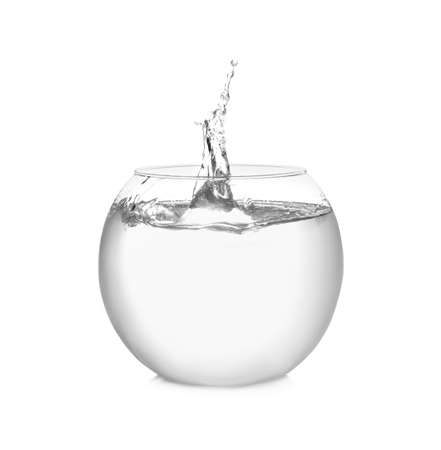 Photo pour Splash of water in round fish bowl on white background - image libre de droit