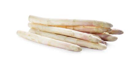 Photo pour Pile of fresh raw asparagus isolated on white - image libre de droit