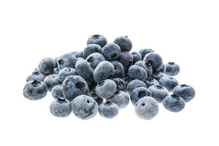 Photo pour Heap of tasty frozen blueberries on white background - image libre de droit