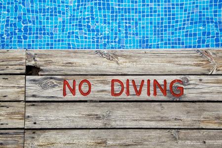 swimming pool, no diving