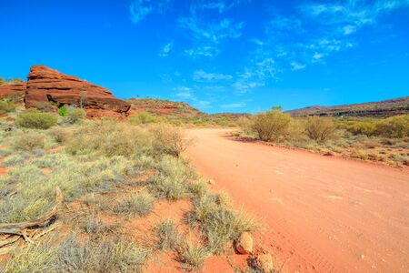 Photo pour The track that follows the sandy bed of Finke River limited to 4WD vehicles only to Palm Valley in Finke Gorge National Park near Hermannsburg, Northern Territory, Central Australia Outback. - image libre de droit
