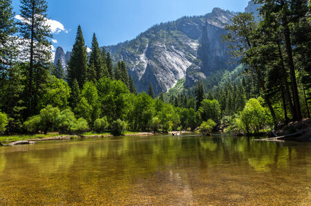 Yosemite National Park - Lake