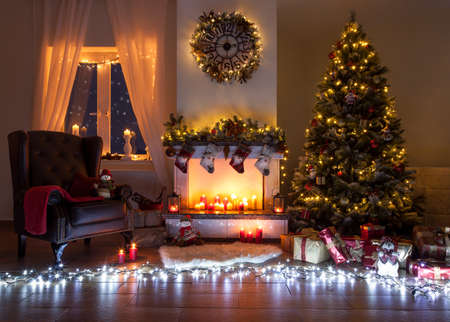 Beautiful decorated living room for christmas: Lizenzfreie ...