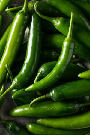 Foto für Raw Green Organic Serrano Peppers in  a Bowl - Lizenzfreies Bild