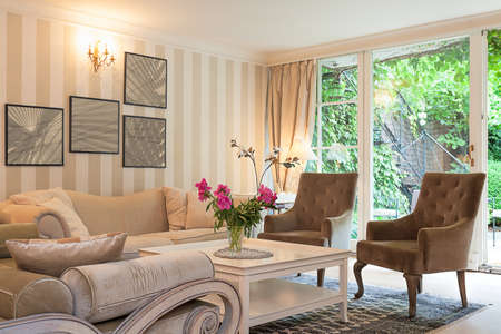 Vintage mansion - a luxurious suite in a beige living room