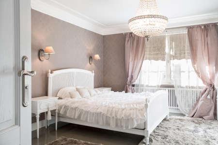 Photo pour Ideal bedroom for woman in romantic style - image libre de droit
