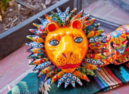 Photo pour Meixan Colorful Souvenir Ceramic Lion San Diego California  - image libre de droit