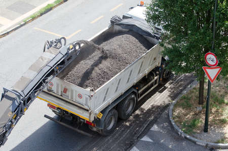 Foto per Works for road asphalting - Immagine Royalty Free