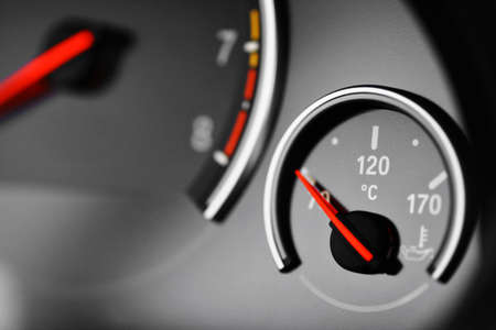 Color detail with the coolant temperature gauge in a car
