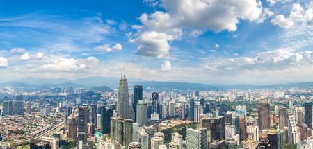 Photo pour Panorama of Kuala Lumpur, Malaysia at summer day - image libre de droit