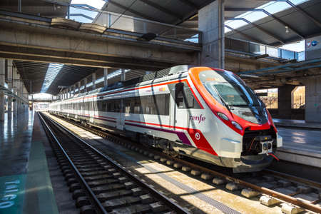 Photo pour CORDOBA, SPAIN - JUNE 27, 2016:  Train station in Cordoba in a beautiful summer day, Spain - image libre de droit