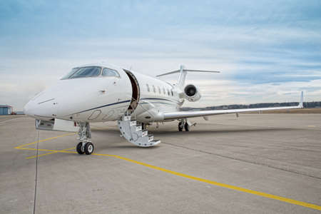 Foto de corporate private jet - plane - Imagen libre de derechos