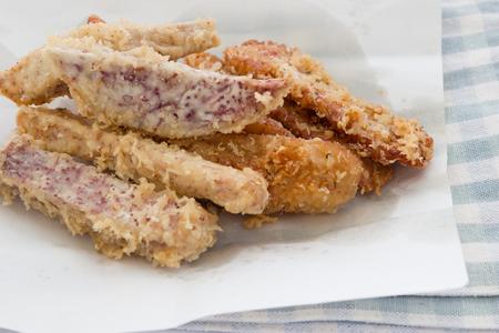 Deep fried sliced banana and taro