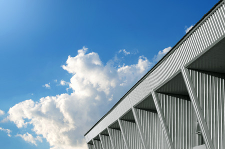 Foto de Abstract building and blue sky background - Imagen libre de derechos