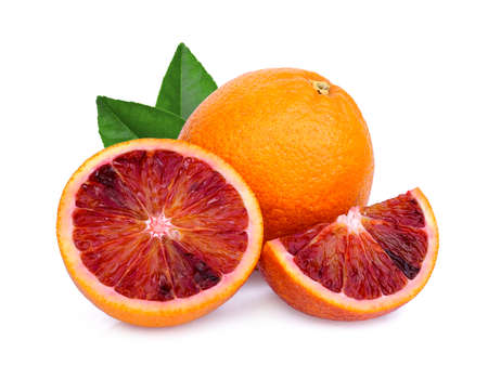 Foto de whole and slices blood orange with green leaf isolated on white background - Imagen libre de derechos
