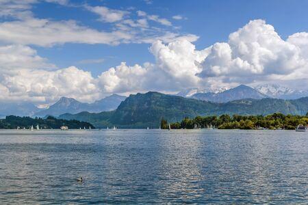 Photo pour Landscape with Lake Lucerne and Alps, Switzerland - image libre de droit