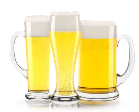 Photo pour Set of fresh light beer glasses with bubble froth isolated on white background. - image libre de droit